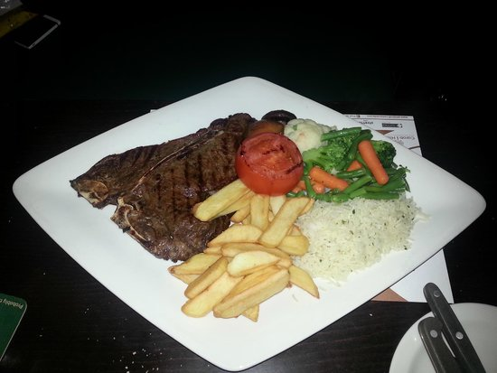 Ryan's Bar & Grill: Excellent American T-Bone Steak. probably the best i ever had