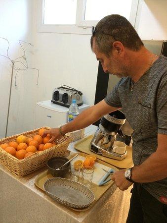 Le Petit Manoir : Jus  d'orange comme à la maison