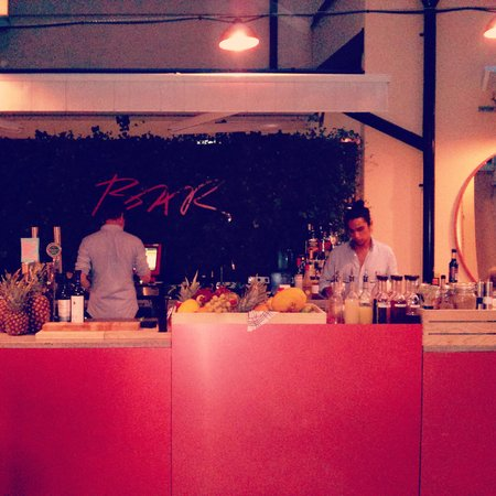 Scandic No. 53 : El bar exterior, ideal para tomar una copa después de un día de turismo por Estocolmo.