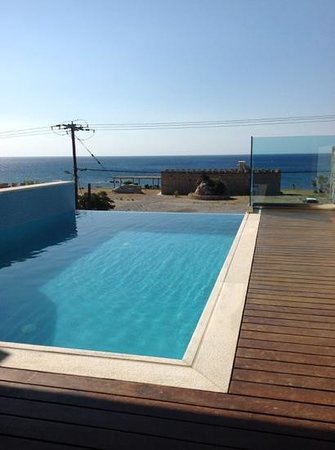 Boutique 5 Hotel & Spa: private pool on junior suite