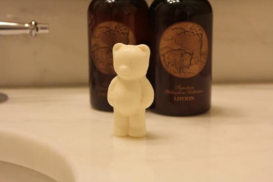 Lake Yellowstone Hotel and Cabins: cute teddy bear soap
