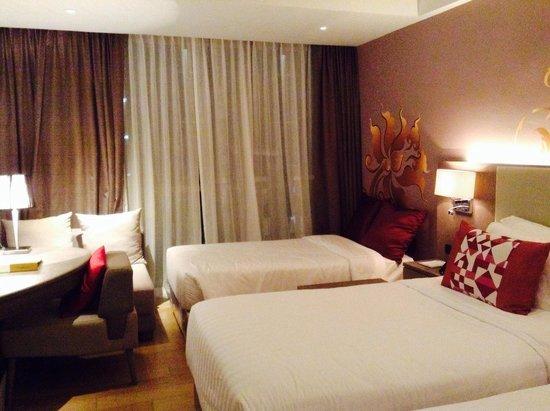 Deevana Plaza Phuket Patong: Room