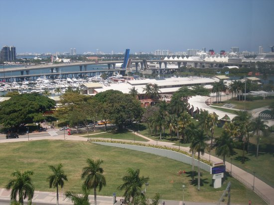 YVE Hotel Miami: View from our room in B2 Hotel