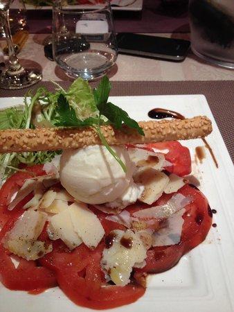Auberge des Vignerons: Salade tomates cœur de bœuf
