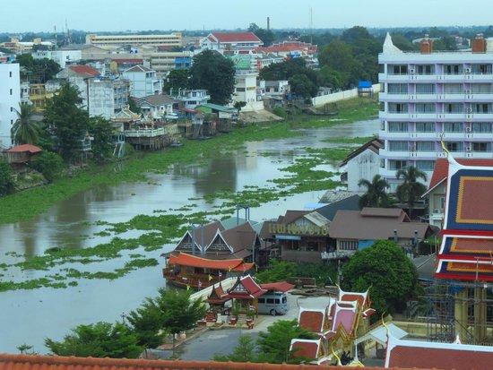 Krungsri River Hotel : Vistas desde la habitación.