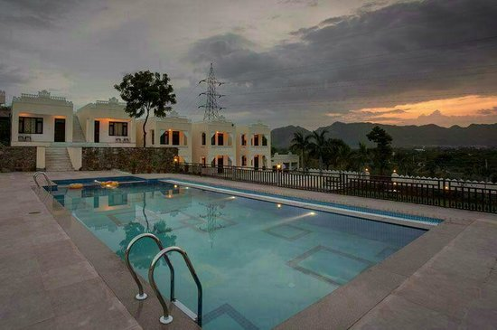 Hill garden retreat udaipur rajasthan hotel reviews photos rate comparison tripadvisor for Hotel in udaipur with swimming pool