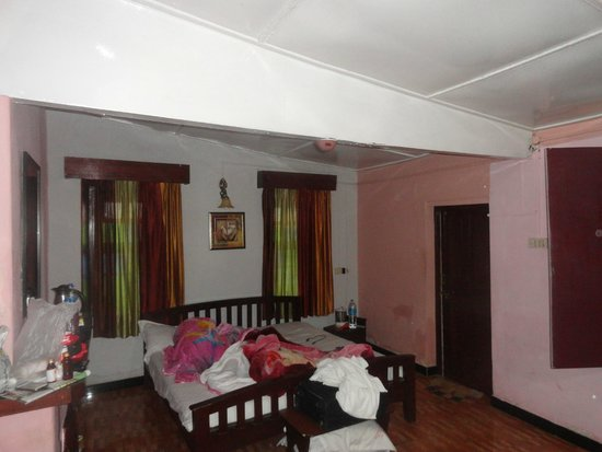 British Cliff Club Resort Ooty: our room- viceroys chamber