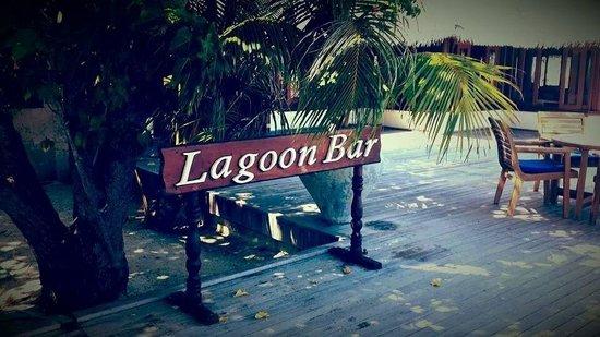 Olhuveli Beach & Spa Maldives : Lagoon Bar