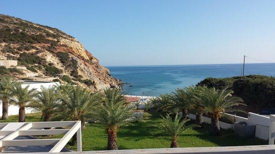 Golden Milos Beach Hotel: Θέα από τη βεράντα!