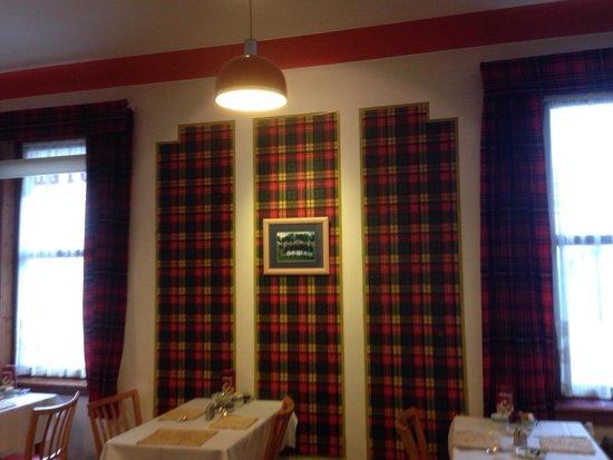 MacDougall Clansman Hotel: Tartan abounds!