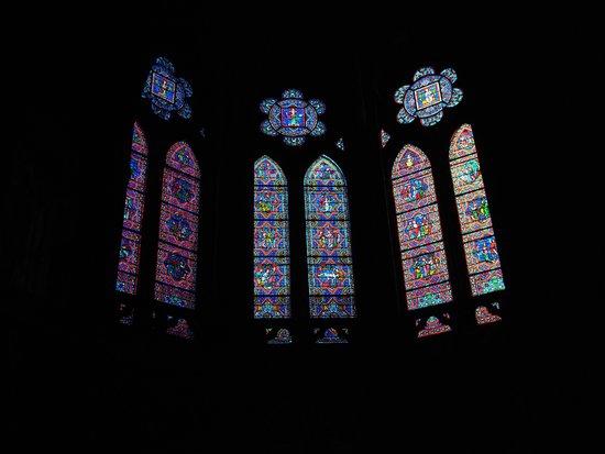Cathedrale Sainte-Marie de Bayonne: ステンドグラスが美しい♪
