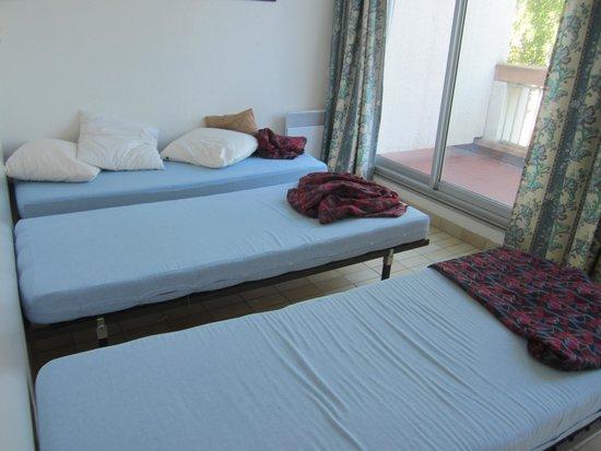 Lagrange Confort+ Residence Village Club de Camargue : chambre étage