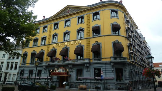 Hotel Des Indes, a Luxury Collection Hotel : tres belle facade romantique