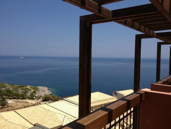 Apostolata Island Resort & Spa: Błękit nieba zlewający się z błekitem morza