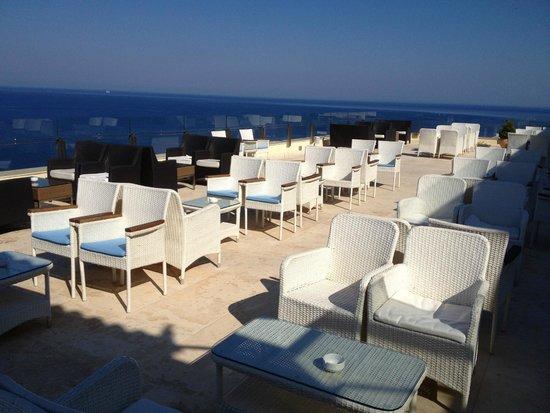 Apostolata Island Resort & Spa: Taras na wieczory muzyczne