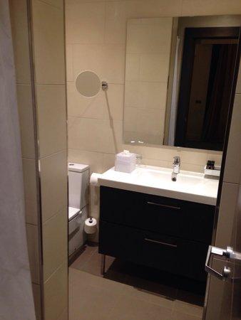 Hotel Indigo Barcelona - Plaza Catalunya: Bathroom