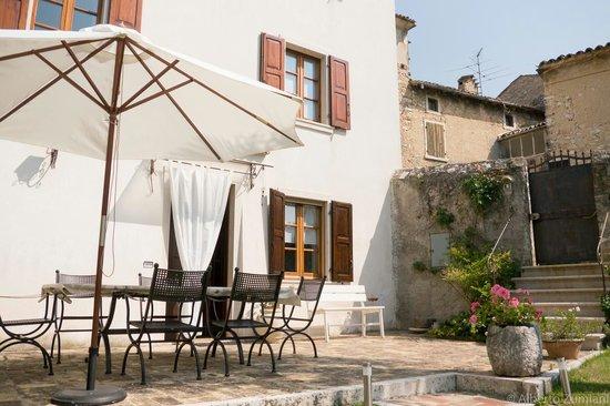 Casa Amelia Bed & Breakfast: Dal guardino