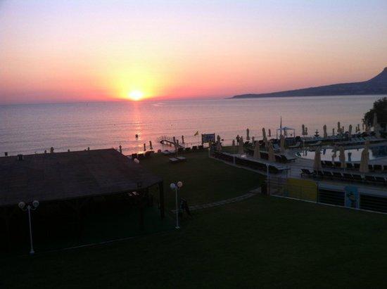 Kiani Beach Resort Family All Inclusive: photo prise du balcon de la chambre