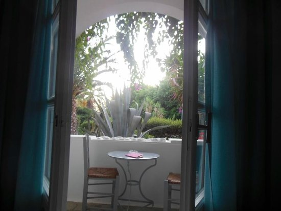Dionysos Seaside Resort : dalla finestra...