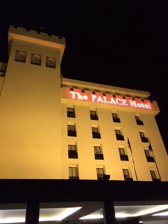 The Palace Hotel Kota Kinabalu: ホテル外観