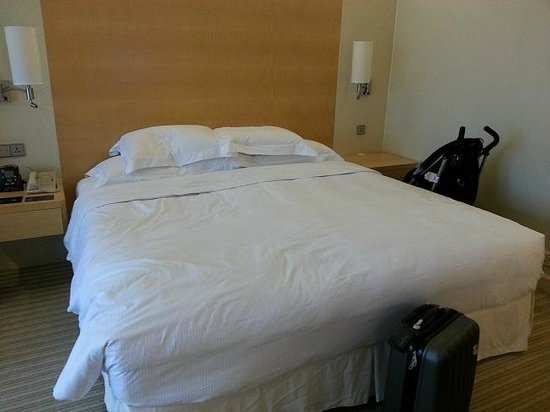 Hilton Singapore: king bed room