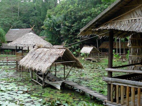 Sabah State Museum: Ricostruzione di abitazioni
