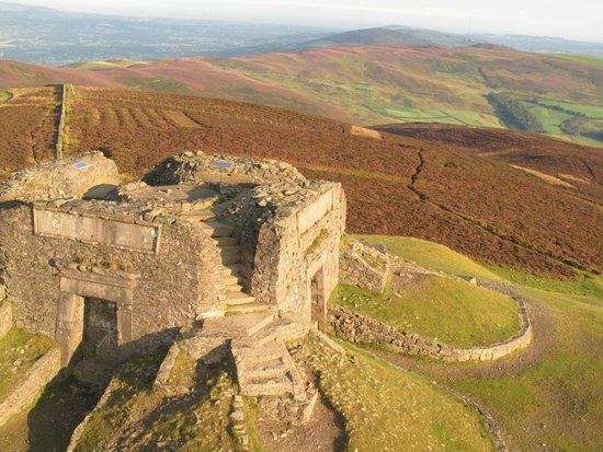 Mold, UK: Fabulous walks to the Jubilee Tower at the summit from Coed Moel Famau and Bwlch Pen Barras