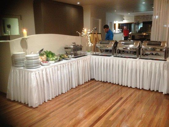 Pasfields Restaurant, Bar & Deck: Buffet