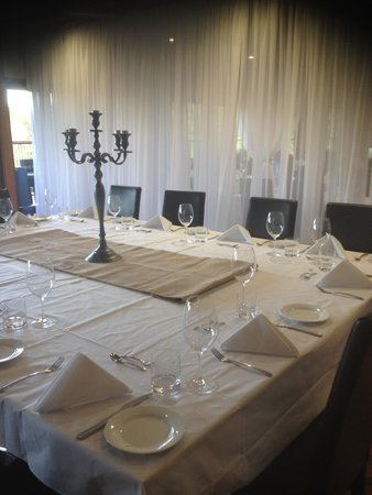 Pasfields Restaurant, Bar & Deck: One of many table set ups