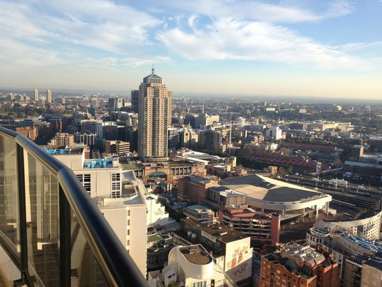 Meriton Serviced Apartments Kent Street : day view