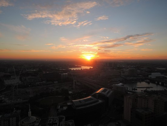 Meriton Serviced Apartments Kent Street: The sunset