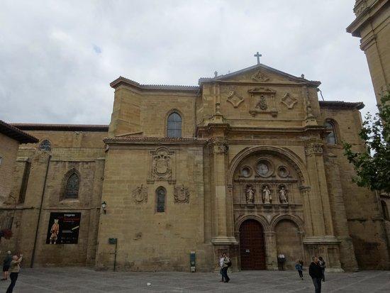 Cathedral of Santo Domingo de la Calzada : 外観