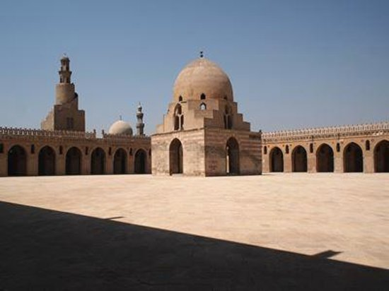 Mosque of Ibn Tulun: モスク内部
