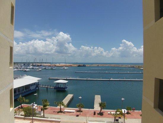 Hotel Meliá Marina Varadero: Вид на яхтклуб из окна отеля