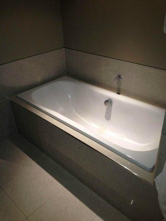 Pullman Auckland : a nice bath