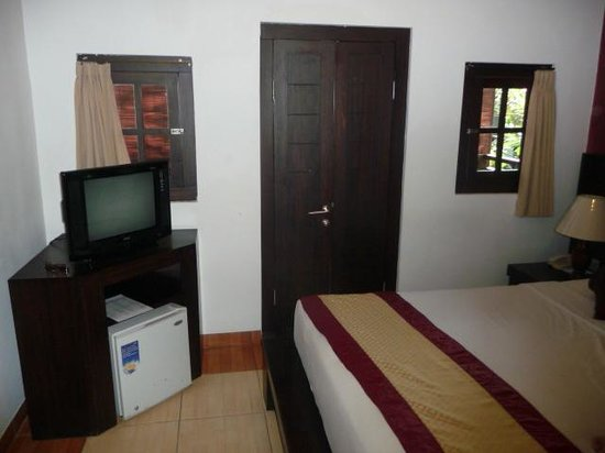 Puri Sading Hotel : Bedroom