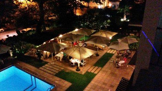 Araxa Hotel : Desde nuestra habitación (208)