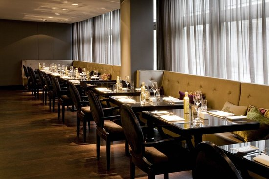 Roomers Frankfurt, Restaurant