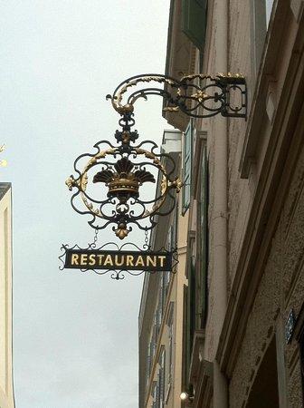 Gourmet Restaurant Kronenstübli: The entrance to the restaurant