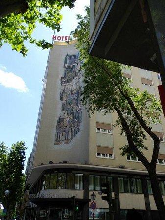 AC Hotel Carlton Madrid : 外観