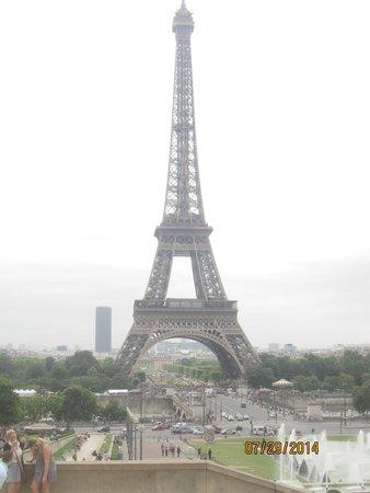 Tour Eiffel : Vue en journée 1