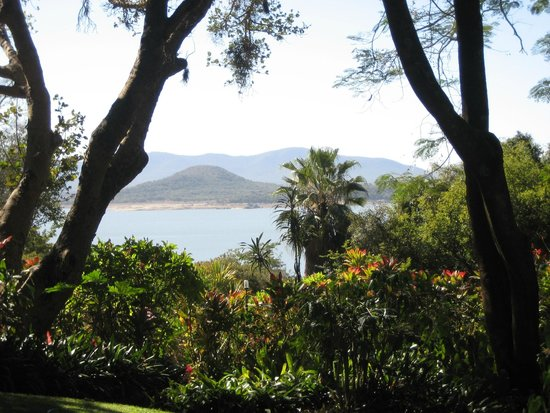 Norma Jeane's Lakeview Resort: View from Verandah