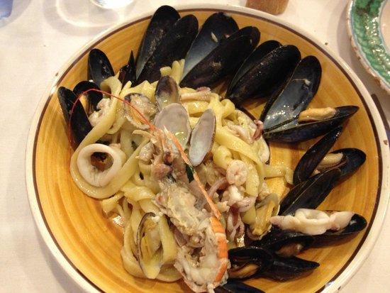 Sicilia in Tavola : pasta fresca allo scoglio