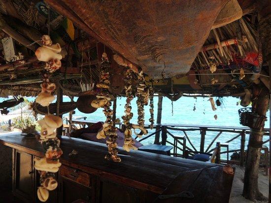 Promised Land Lodge: Beach Bar