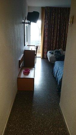 Jaime I Hotel: Habitación entrada