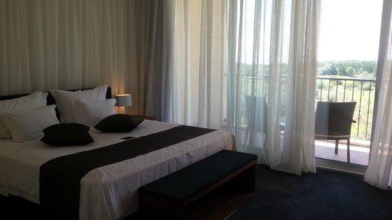 Lighthouse Golf & Spa Resort : Large modern room