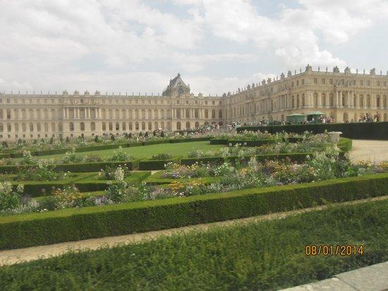 Jardin du chateau de versailles picture of chateau de for Jardin chateau de versailles