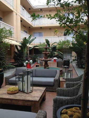 Hollywood Hotel: patio