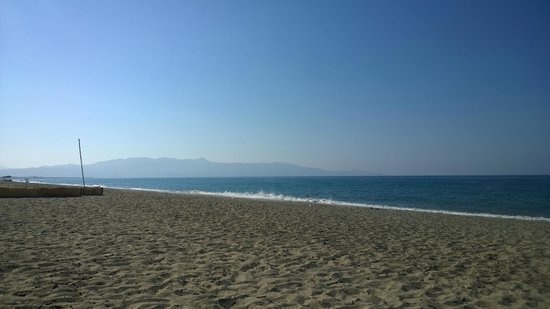 Eanthia Village: Beach