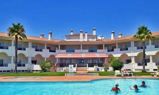 Colina Verde Aparthotel & Golf